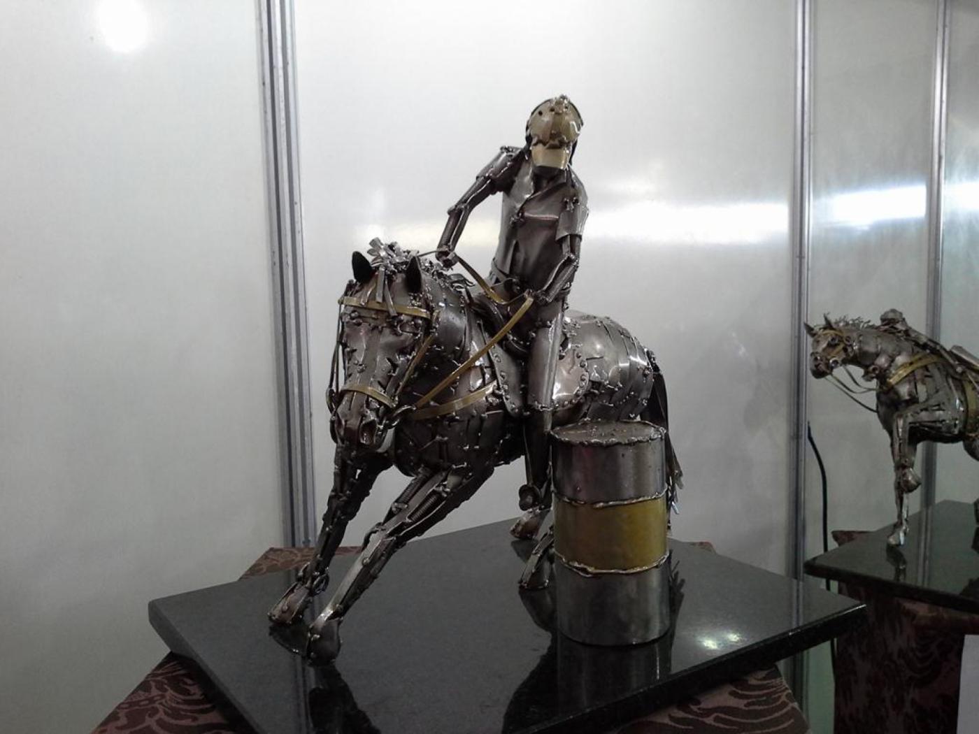 Prova do Tambor- Haras Raphaela Ze Vasconcellos Metal SculpturesZe Vasconcellos Metal Sculptures - Metal Sculptures - Campinas - São Paulo - Brasil Esculturas em Metal, Metal Sculptures, Cavalo Metal, Horse Metal, Art Metal, Ze Vasconcellos Metal Sculptures