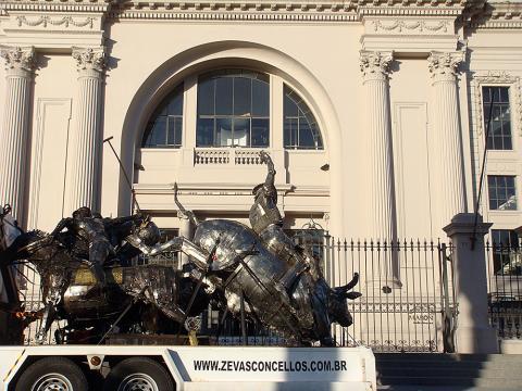 Galeria LA VISTA - Edifício Torreon - Punta del Este - Uruguay Metal Sulpture, Sculpture Steel, Escultura em Meta, Horse Metal, Ze Vasconcellos - Ze Vasconcellos Metal Sculptures - Metal Sculptures - Campinas - São Paulo - Brasil - 1