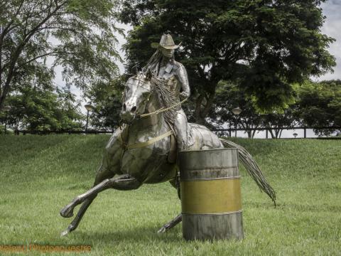 Prova do Tambor - Exposta Haras Raphaella - Grand Prix 2016 Ze Vasconcellos Metal Sculptures - Ze Vasconcellos Metal Sculptures - Metal Sculptures - Campinas - São Paulo - Brasil - 2